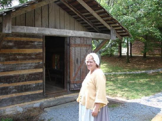 Rocky Mount Museum: A cook explains spinning and weaving at Rocky Mount.