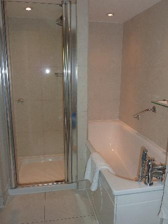 The Tophams Hotel Belgravia: Bathroom