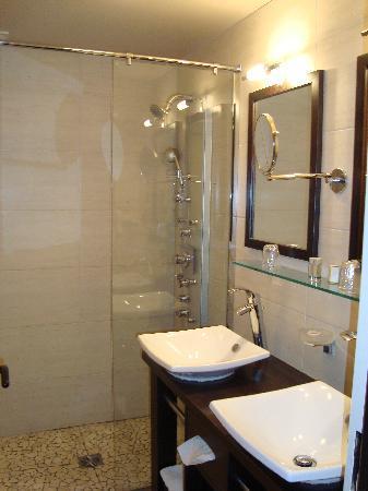 Hôtel-Résidence Les Vallées : salle de bain
