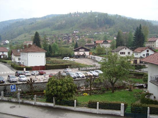 Hôtel-Résidence Les Vallées : vue chambre