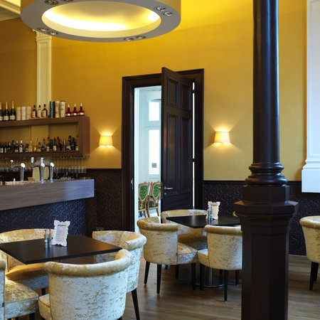 Suite Hotel Pincoffs: The Hotel Bar