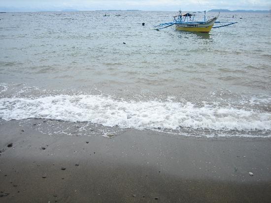 Bambu Villa Resort: The beach