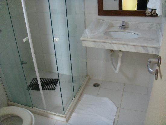 Pousada Porto Dos Milagres: view of the bathroom