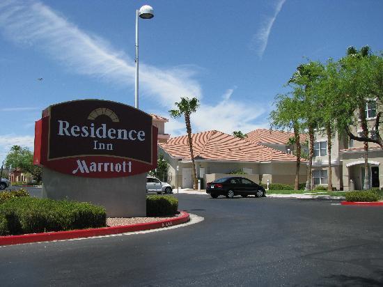 Residence Inn Las Vegas Henderson/Green Valley: entrance