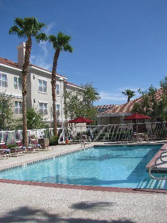 Residence Inn Las Vegas Henderson/Green Valley: pool