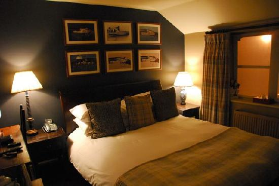 Queens Arms: Room overview