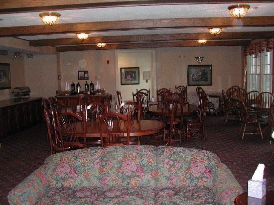 Red Maple Inn Bed & Breakfast: Dining Room
