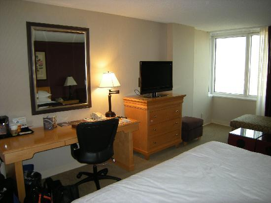 Sheraton LaGuardia East Hotel: King Room