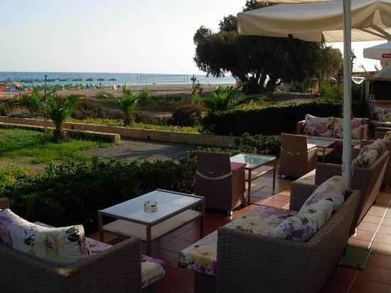 Marinos Beach Hotel Apartments: Bar dell'Hotel