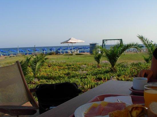 Marinos Beach Hotel Apartments: Colazione