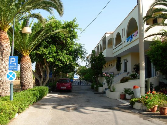 Marinos Beach Hotel Apartments: Ingresso Hotel
