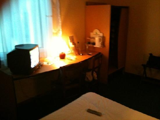 Campanile Szczecin Hotel: Schreibtisch