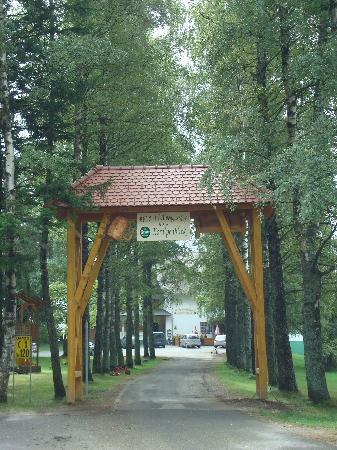 Trahutten, Austria: Zufahrt zum Hotel Koralpenblick