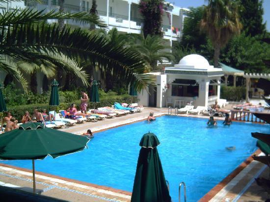 Hotel Emira : la piscine