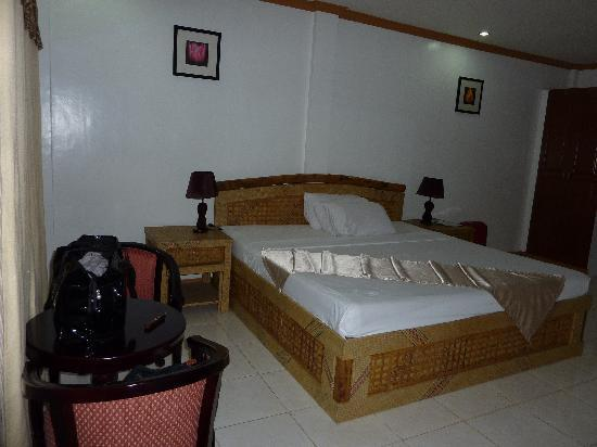 Anda White Beach Resort: chambre ocean view