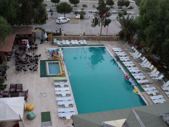 Panormos Hotel: View of the Pool from our room