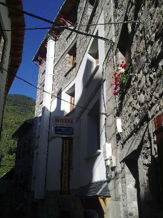 Hotel Valle de Pineta: entrada al hotel