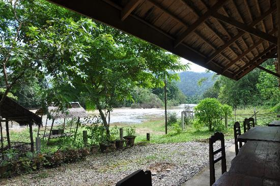Vang Vieng Eco Lodge: Eating Area