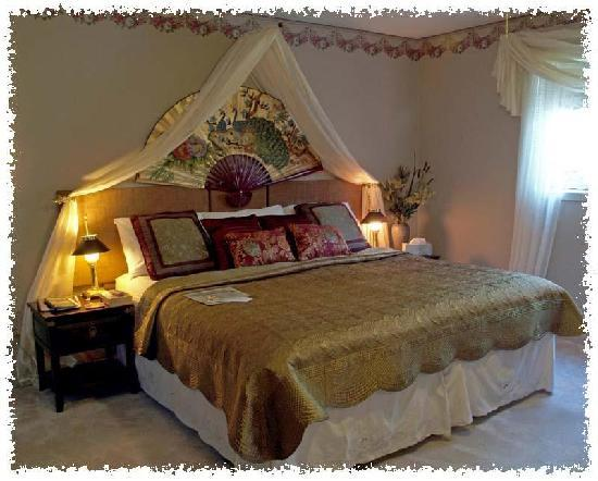 Hoppy's Bed & Breakfast : The Cinnamon bark en suite with King/twin beds and 'heavely dream mattresses