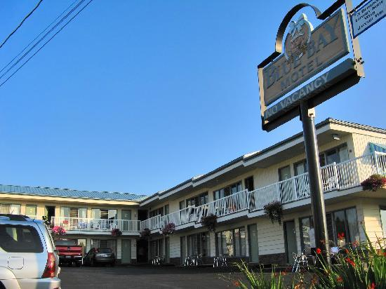 Blue Bay Motel: exterior
