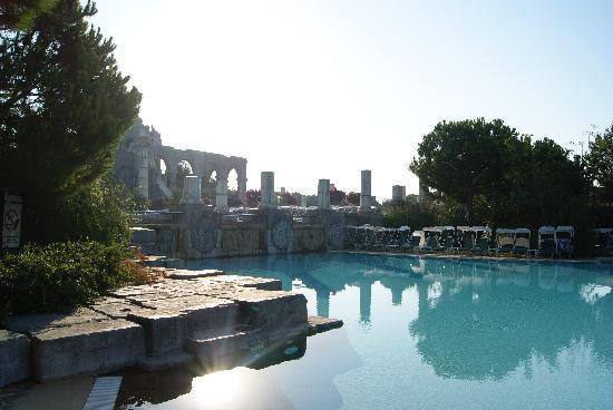 Xanadu Resort Hotel : Ancient Pool