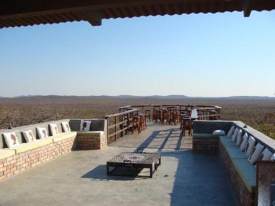 Etosha Safari Lodge: das Sundowner Steg