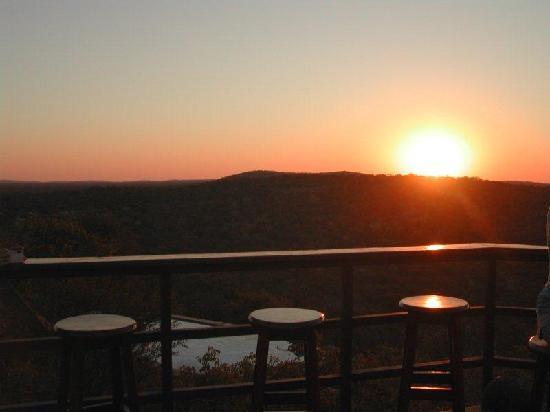 Etosha Safari Lodge: Sonnenuntergang