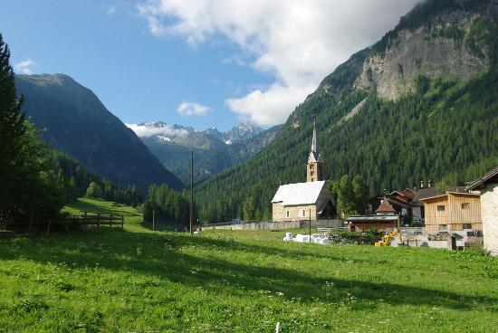 Bergun, Schweiz: View towards Albula Pass