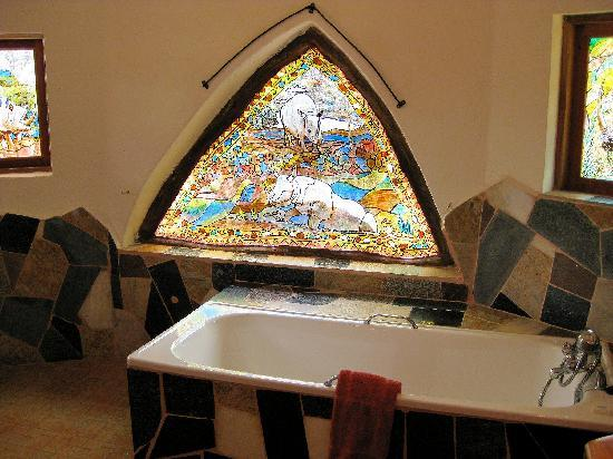Naivasha, Kenya: stunning stained glass in bathroom