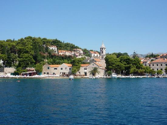 Cavtat, كرواتيا: Cavtat vom Wasser aus