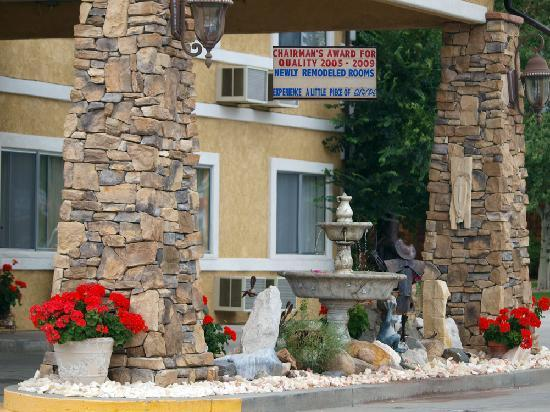 Browns Canyon Inn: Clean and Friendly-European style