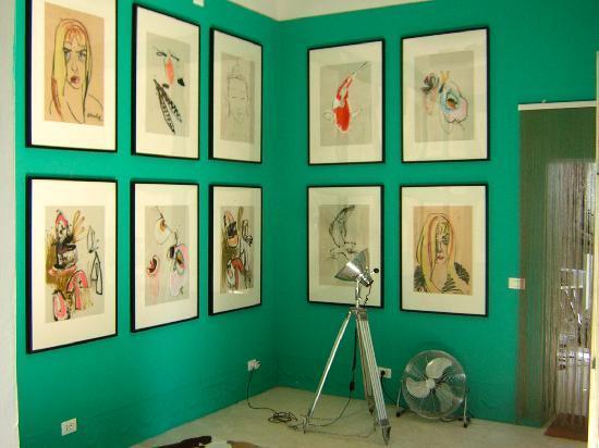 Siena House: Foyer