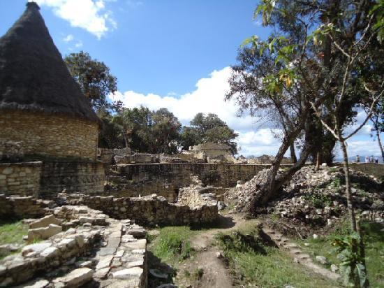 Chachapoyas, Peru: Construcciones en Kuela