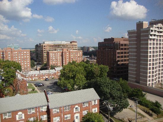 Hampton Inn & Suites Kansas City Country Club Plaza : View from Room 917