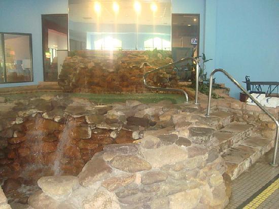 Paradise Stream Resort: indoor hot pool jaccuzzi