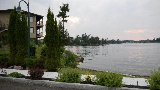 Edgewood Resort: view of St. Lawrence River and Edgewood