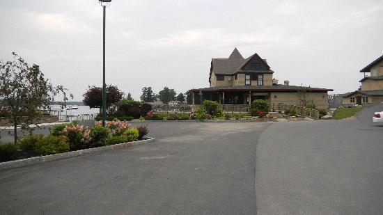 Edgewood Resort: 2nd Restaurant on Edgewood property