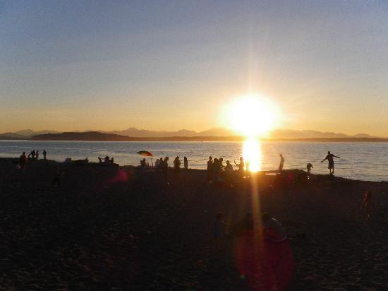Alki Sunshine Bed and Breakfast : Alki sunset