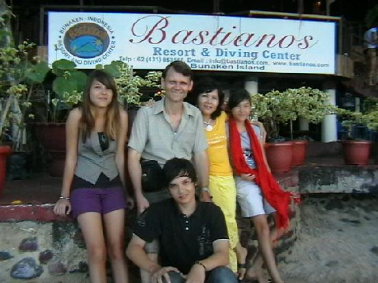 Bastianos Dive Resort: Photo of  me and my family at Bastianos