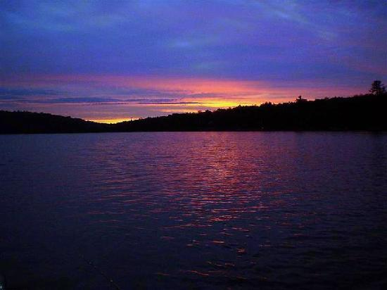 Blue Moon Retreat: Dawn, Purdy lake,  August 12