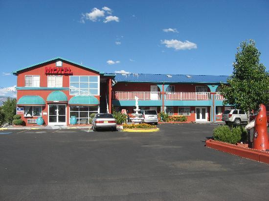 Sandia Peak Inn Motel : Sandia Peak Inn
