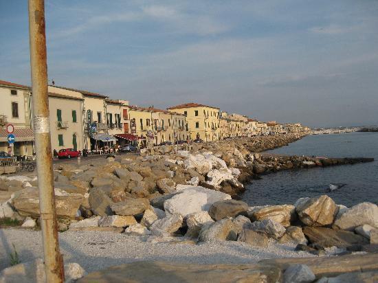 Manzi: The hotel street