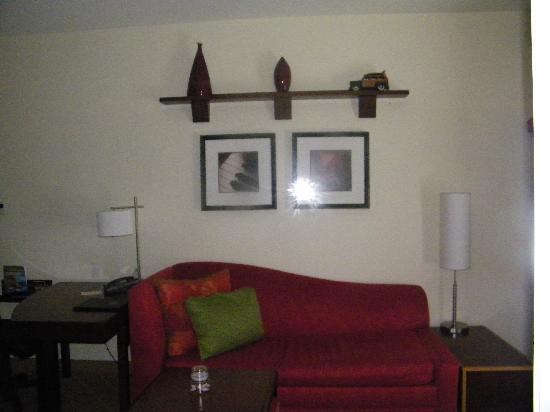 Sebring, FL: King Suite Living area