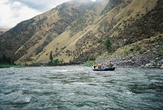 Mountain River Outfitters: Different sections of floating and rapids