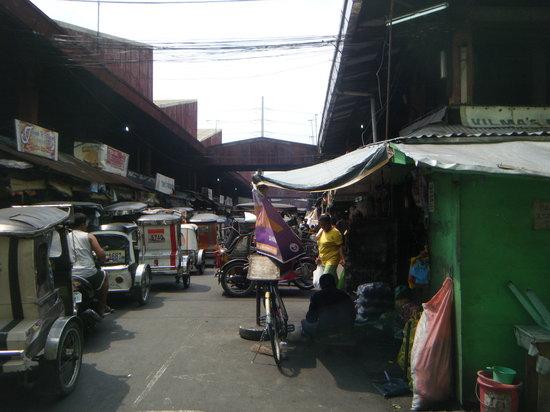 Paranaque, Filippinerne: バクララン・マーケット