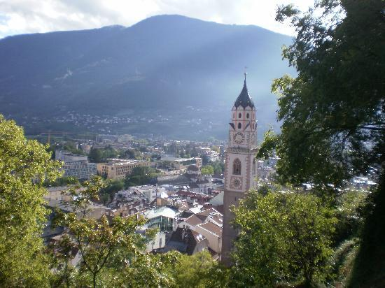 Hotel Juliane : View over Merano
