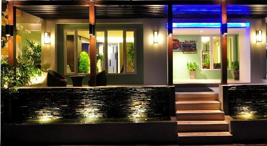 Rattana Residence: Entrance