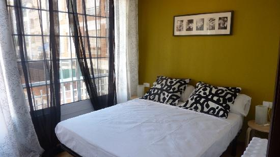 Glory Facade Guest House: Picasso Room - Double Room 150cm Bed