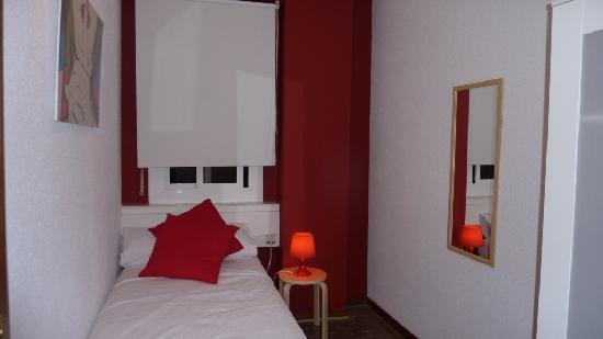 Glory Facade Guest House: Miro Room - Single Room 90 cm Bed