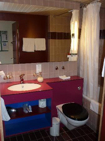 Best Western Hotelbern: Baño de la habitación